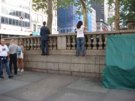 Watching streetperformers