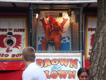 20070915-feast-of-san-gennaro-02-drown-the-clown.jpg
