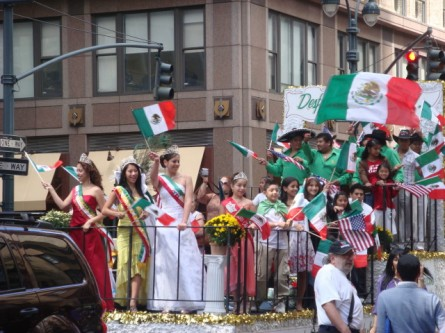 20070916-mexican-day-parade-05-float.jpg
