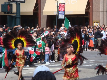 20070916-mexican-day-parade-24-little-aztec-girls.jpg