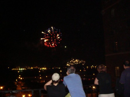 20070920-tudor-city-fireworks.jpg
