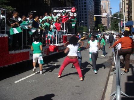 20070929-nigerian-parade-23-dancing.jpg