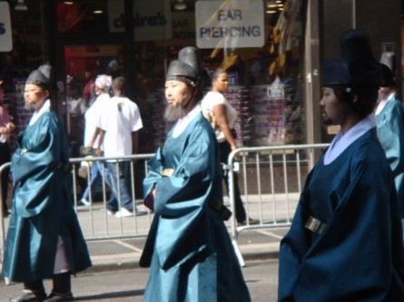20071006-korean-parade-22-women-in-beards.jpg