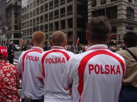 20071007-pulaski-parade-04-polska-shirts.jpg