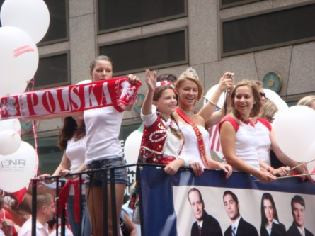 20071007-pulaski-parade-25-miss-polonia-i-think.jpg