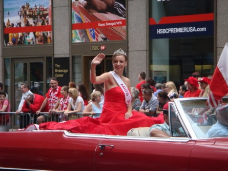 20071007-pulaski-parade-30-miss-polonia-of-utica.jpg