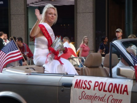 20071007-pulaski-parade-55-miss-polonia-of-stamford-connecticut.jpg