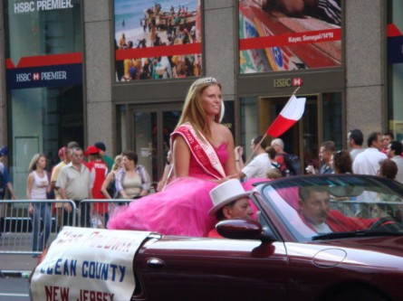 20071007-pulaski-parade-70-miss-polonia-ocean-city-nj.jpg