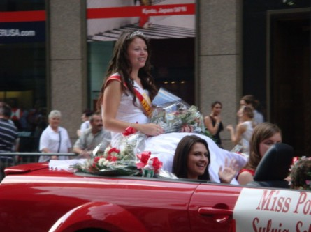20071007-pulaski-parade-74-miss-polonia-of-newark-sylvia-sobcryk.jpg