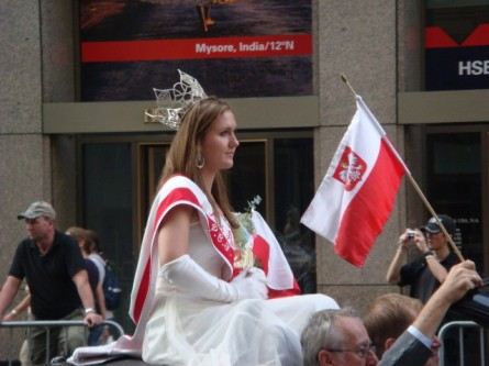 20071007-pulaski-parade-75-miss-polonia-of-clark-julia-bednarczyk.jpg