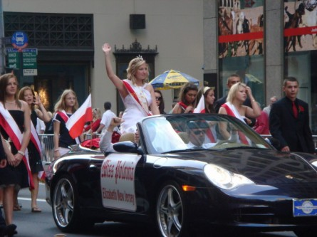 20071007-pulaski-parade-79-miss-polonia-of-elizabeth.jpg