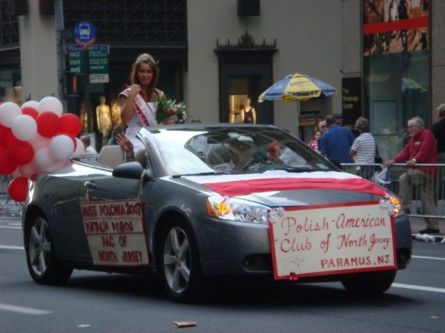 20071007-pulaski-parade-81-miss-polonia-of-pac-of-north-jersey-natalia-pierog.jpg