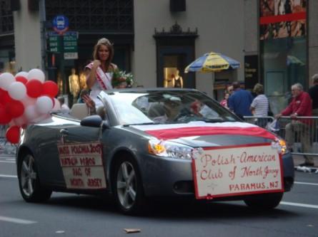 20071007-pulaski-parade-81-miss-polonia-of-pac-of-north-jersey-natalia-pierog.jpg