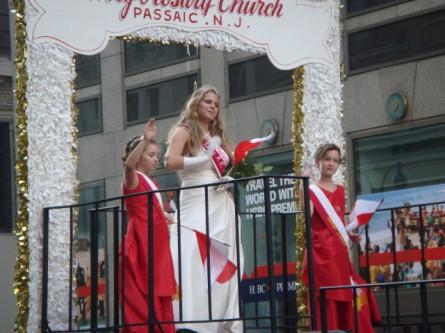 20071007-pulaski-parade-82-miss-polonia-of-holy-rosary-church-passaic-monica-mynaryk.jpg