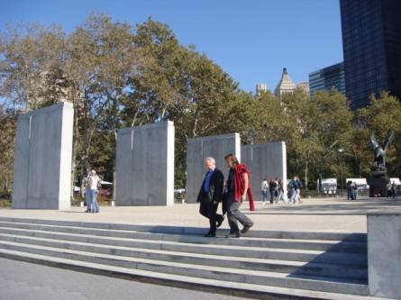 20071013-battery-park-12-monument-to-lost-sailors-and-soldiers.jpg