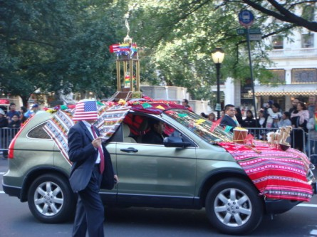 20071014-hispanic-columbus-day-04-bolivian-car.jpg