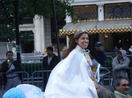 20071014-hispanic-columbus-day-13-argentina-beauty-queen.jpg