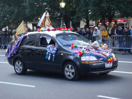 20071014-hispanic-columbus-day-15-argentina-car.jpg