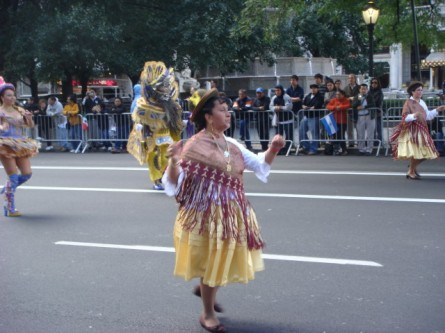 20071014-hispanic-columbus-day-18-dancers.jpg