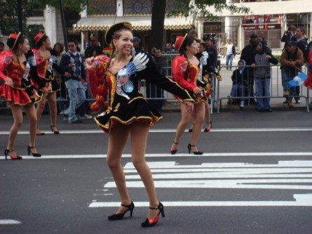 20071014-hispanic-columbus-day-43-dancers.jpg