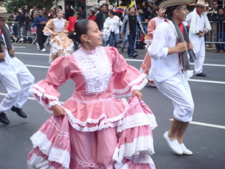 20071014-hispanic-columbus-day-53-dancers.jpg