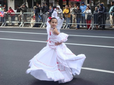 20071014-hispanic-columbus-day-55-dancer.jpg