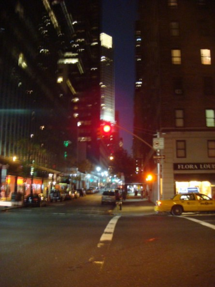20071027-3rd-ave-at-night-05.jpg