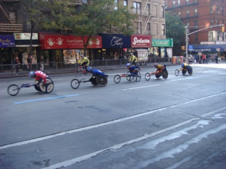 20071104-ny-marathon-04-group-of-wheelchair-racers.jpg