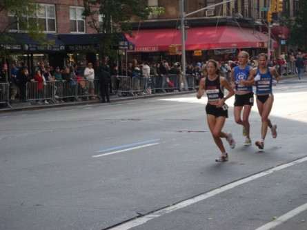 20071104-ny-marathon-41-woman-runners.jpg