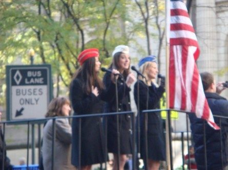 20071111-veterans-day-parade-13-singers.jpg