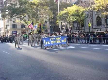 20071111-veterans-day-parade-52-77th-rrc-fort-totten.jpg