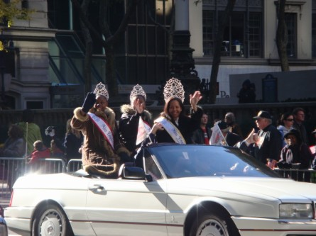 20071111-veterans-day-parade-67-royalty.jpg