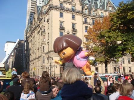 20071122-macys-thanksgiving-parade-26-dora-the-explorer-balloon.jpg
