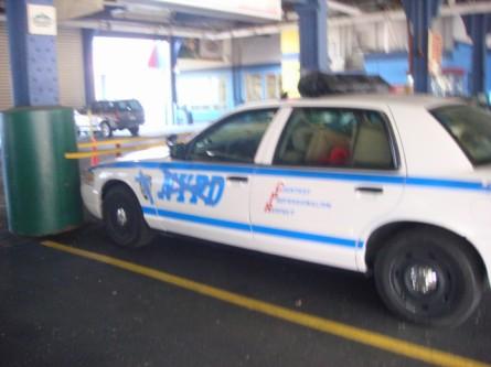 20071128-undercover-cop-car-01.jpg
