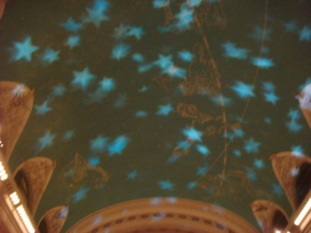 071209-grand-central-kaleidoscope-05-ceiling-lights-begin.jpg