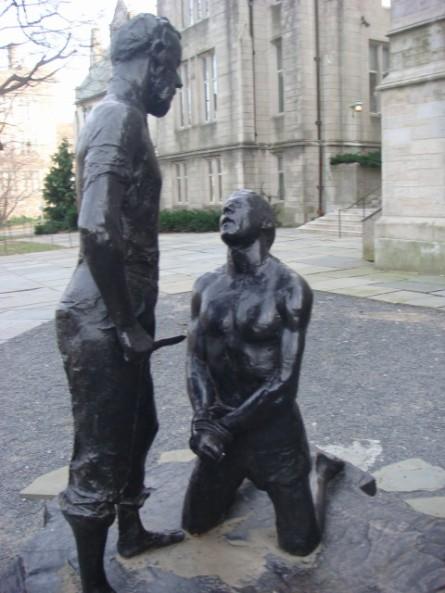 20071201-princeton-12-statue-man-with-knife.jpg