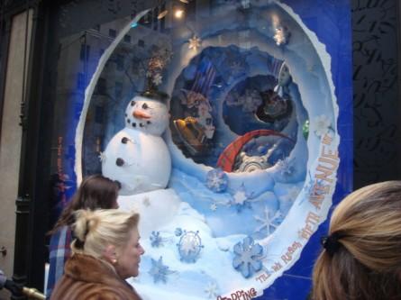 20071202-saks-christmas-display-06-window.jpg