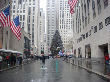 20071202-snow-day-15-rockefeller-center-tree.jpg