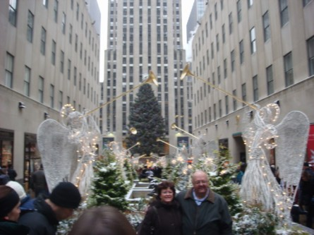 20071202-snow-day-17-rockefeller-center-tree-east-side.jpg