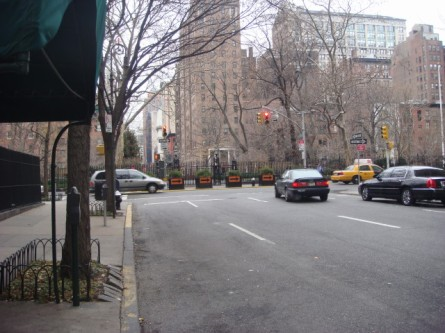 200712122-gramercy-park-01-from-lexington.jpg