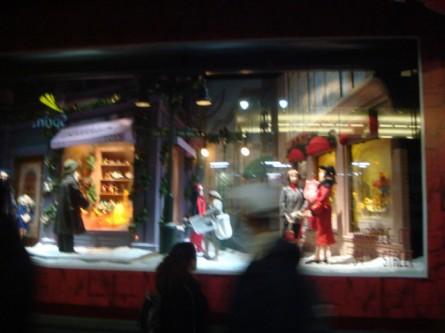 20071220-macys-window-16-miracle-on-34th-santa-in-civilian-dress.jpg