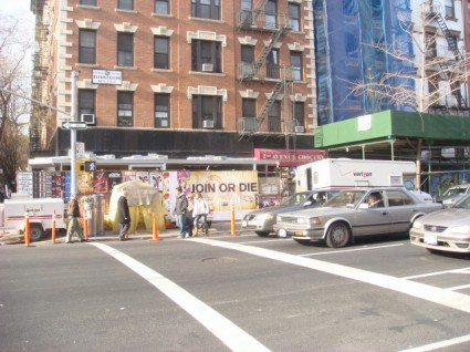 20080113-east-village-corner-where-jack-abbott-knifed-richard-adan-on-5th-street-at-binibon.jpg