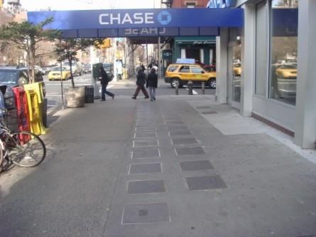 20080113-yiddish-theater-walk-of-fame-on-10th-st-01.jpg