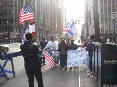 20080126-gaza-protest-12-counterprotesters.jpg