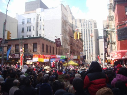 20080210-chinatown-parade-04-first-view-of-parade.jpg