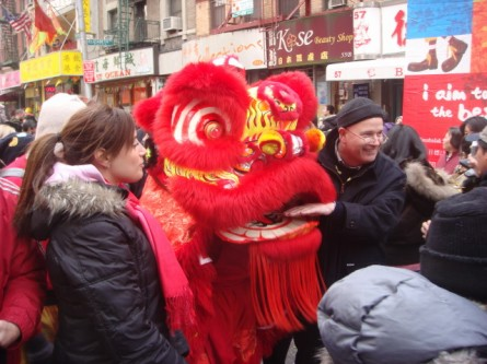 20080210-chinatown-parade-41-posing.jpg
