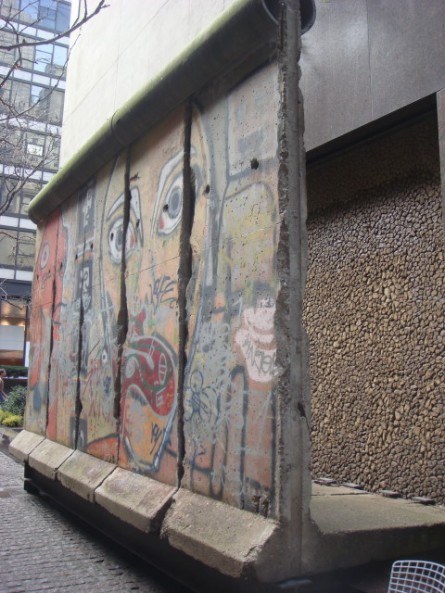 20080222-berlin-wall-02.jpg