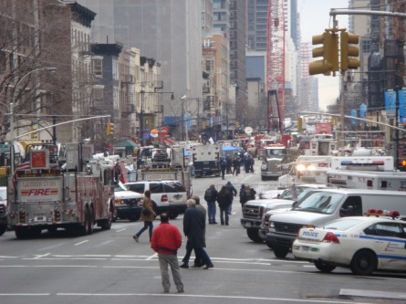 20080316-crane-crash-02-48th-street.jpg