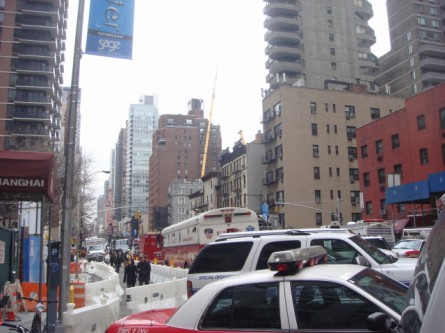 20080316-crane-crash-03-49th-street-view-of-work-area.jpg