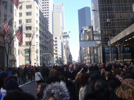 20080323-easter-parade-07-crowd.jpg